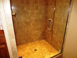 Lincoln city Beach House -Bathroom 3 downstairs shower